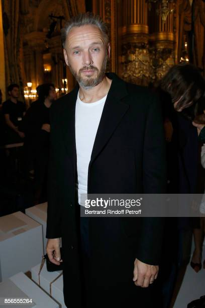 Husband of Stella Alasdhair Willis attends the Stella McCartney show as part of the Paris Fashion Week Womenswear Spring/Summer 2018 on October 2...