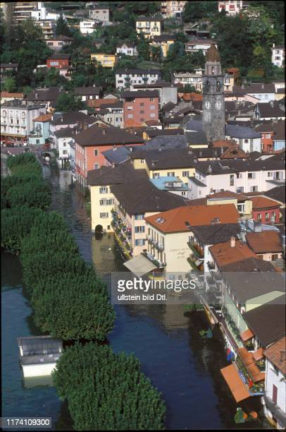 Häuser von Ascona stehen unter Wasser 1993