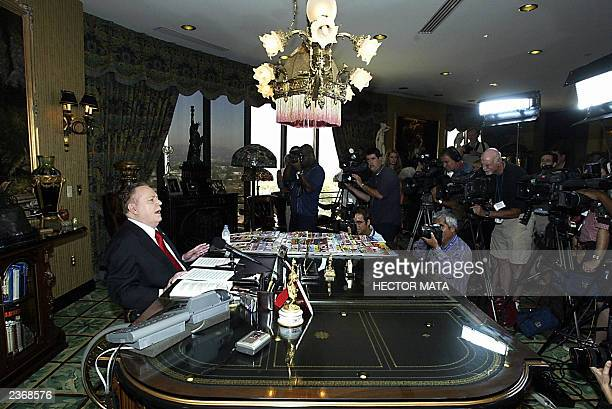 Hustler Magazine Publisher Larry Flynt talks to the media after announcing his intention to run for governor of California 04 August 2003 at his...