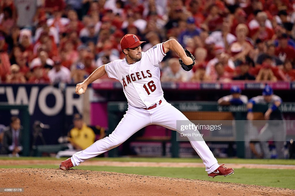 Division Series - Kansas City Royals v Los Angeles Angels of Anaheim - Game Two : News Photo