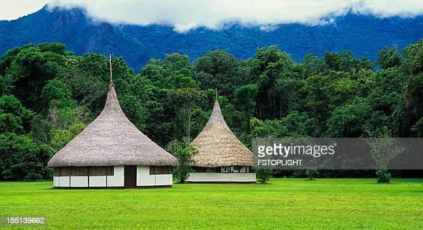 Hütten im Dschungel