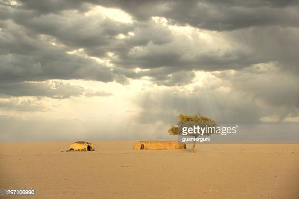 huts of nomadic people between sahel and sahara, chad - smurfs: the lost village stock pictures, royalty-free photos & images