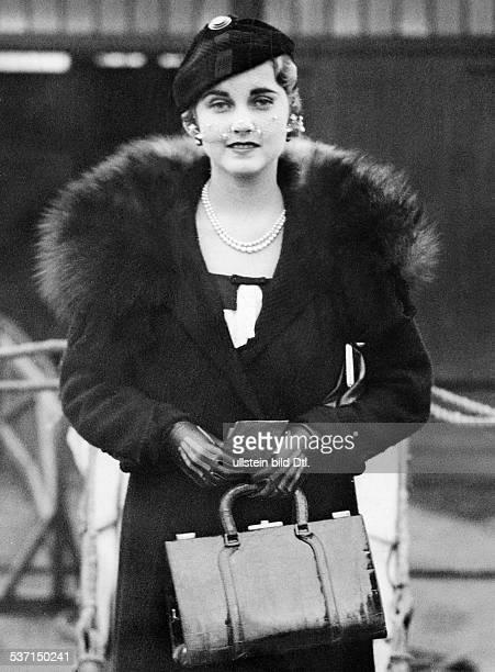 Hutton Barbara KaufhausErbin USA Halbportrait 1932 veroeffentlicht BMp