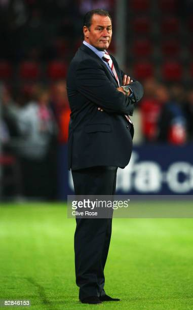 Huub Stevens of PSV Eindhoven looks on during the UEFA Champions League Group D match between PSV Eindhoven and Atletico Madrid at the Philips...