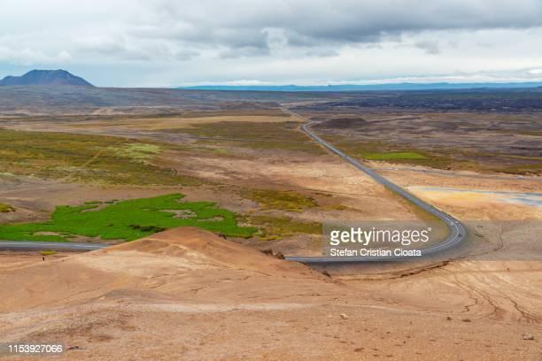 hverir iceland – surreal namafjall geothermal area - cristian neri foto e immagini stock