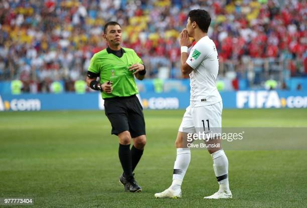 Hwang Heechan of Korea Republic argues with Referee Joel Aguilar during the 2018 FIFA World Cup Russia group F match between Sweden and Korea...