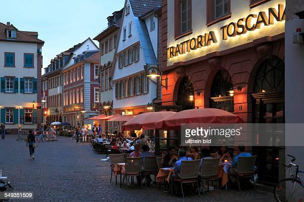 Hweidelberg old town market place evening mood sidewalk restaurants sidewalk cafes