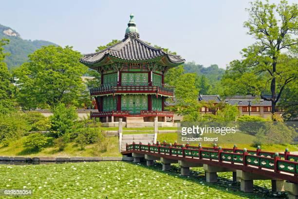 hyangwonjeong pavilion,gyeongbokgung palace, seoul - gyeongbokgung stock photos and pictures