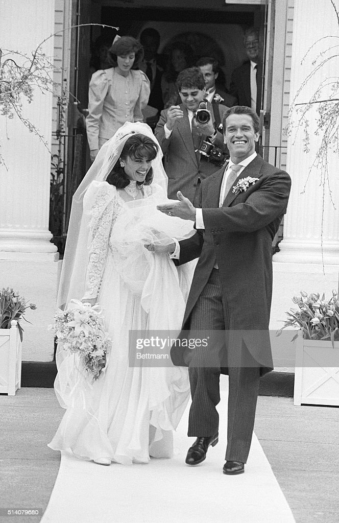 Arnold Schwarzenegger and Maria Shriver at Their Wedding : News Photo
