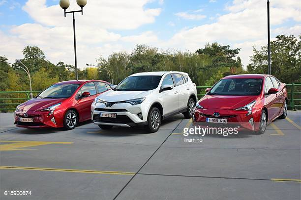 hybrid vehicles from toyota - domestic car stock pictures, royalty-free photos & images