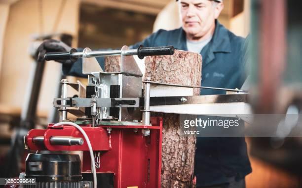 油圧ログ分割機 - 薪 ストックフォトと画像