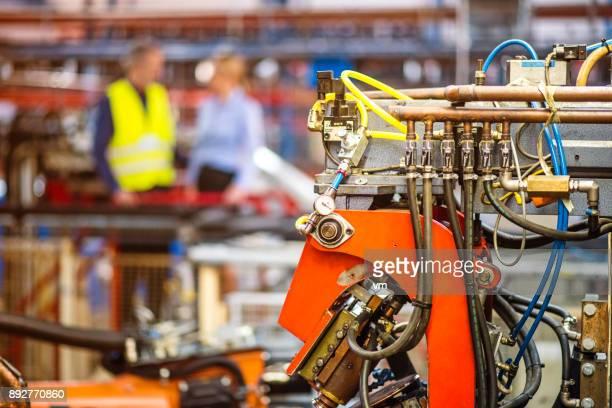Hydraulic manufacturing equipment