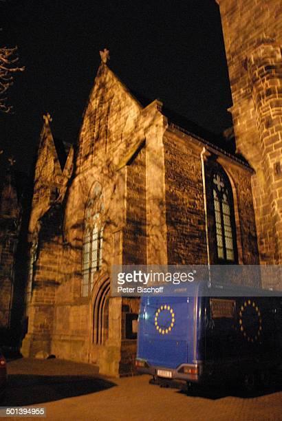 EURO1 mit dem Heino während 5 KirchenkonzertTournee Die Himmel rühmen im Advent von Tourneeort zu Tourneeort fährt vor MarienKirche Minden...