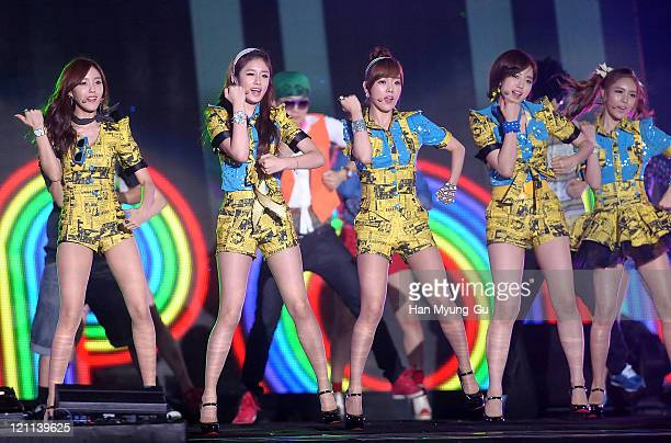 HyoMin JiYeon SoYeon EunJung and QRi of Tara perform onstage during the Incheon Korean Wave Festival 2011 at Incheon World Cup Stadium on August 13...