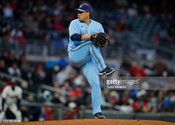 Hyun Jin Ryu of the Toronto Blue Jays pitches in the fifth inning against the Atlanta Braves at Truist Park on May 12, 2021 in Atlanta, Georgia.