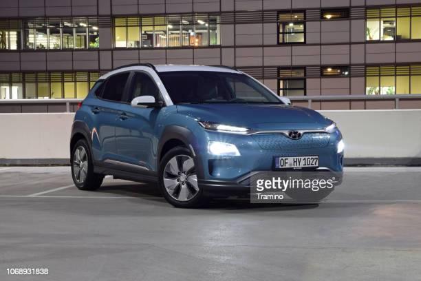 hyundai kona electric on the parking - hyundai stock pictures, royalty-free photos & images