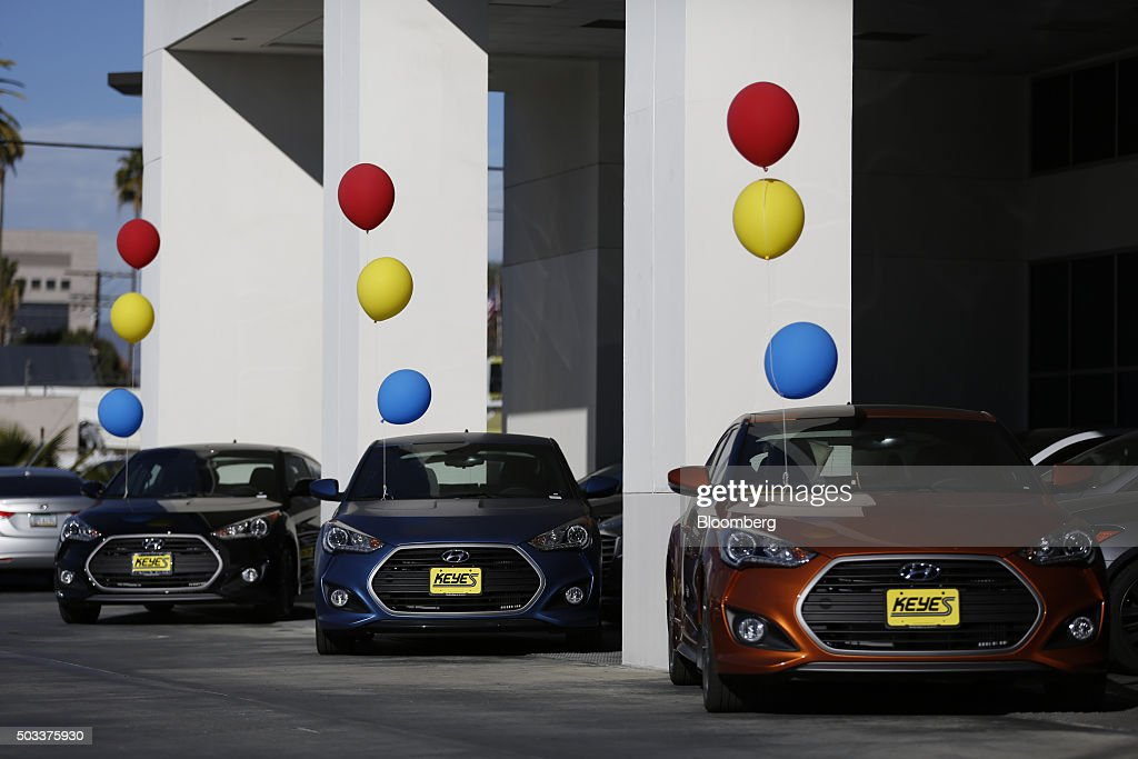 inside car dealerships ahead of motor vehicle sales figuresの写真