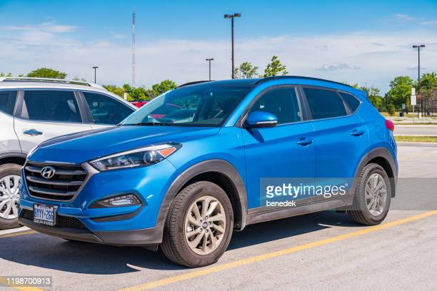 hyundai tucson suv - three quarter front view stock pictures, royalty-free photos & images