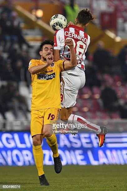 Iacopo Cernigoi of Vicenza Calcio clashes with Carlo Pelagatti of AS Cittadella during the Serie B match between Vicenza Calcio and AS Cittadella at...