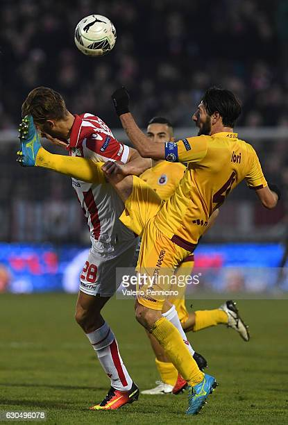 Iacopo Cernigoi of Vicenza Calcio clashes with Manuel Iori of AS Cittadella during the Serie B match between Vicenza Calcio and AS Cittadella at...