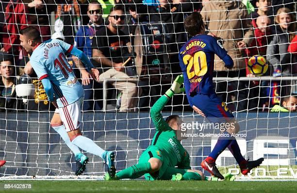 Iago Aspas of Celta celebrates scoring his team's first goal during the La Liga match between Barcelona and Celta de Vigo at Camp Nou on December 2...