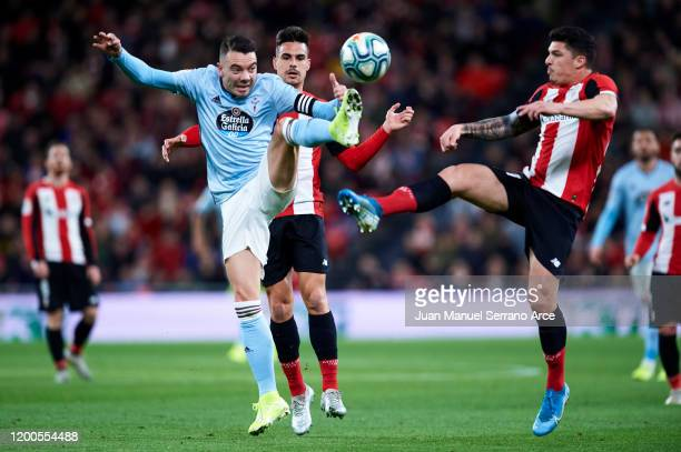 Iago Aspas of Celta de Vigo competes for the ball with Ander Capa of Athletic Club during the Liga match between Athletic Club and RC Celta de Vigo...