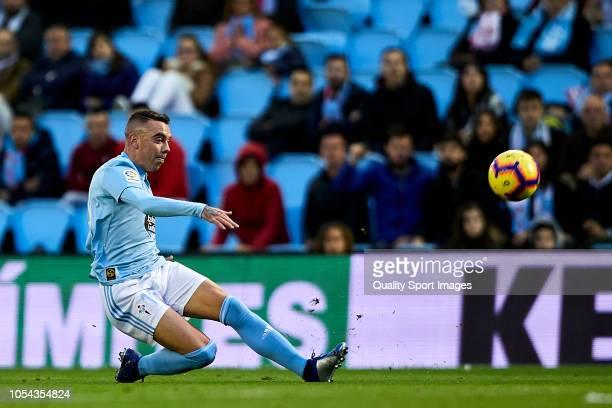 Iago Aspas of Celta de Vigo shots on goal and scores his second goal during the La Liga match between RC Celta de Vigo and SD Eibar at AbancaBalaidos...