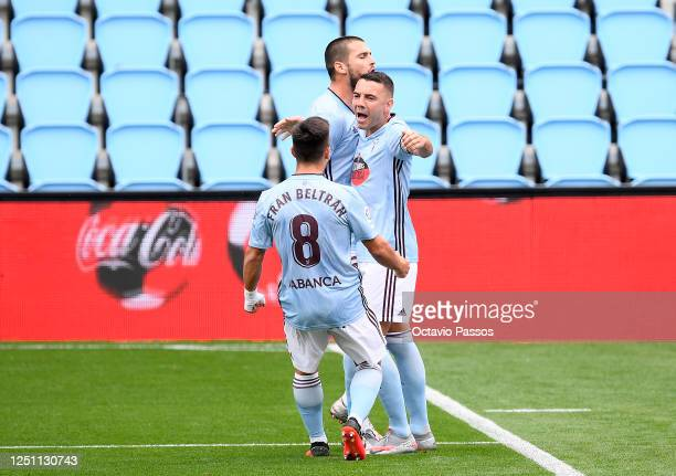 Iago Aspas of Celta Vigo celebrates after scoring his teams second goal during the Liga match between RC Celta de Vigo and Deportivo Alaves at...