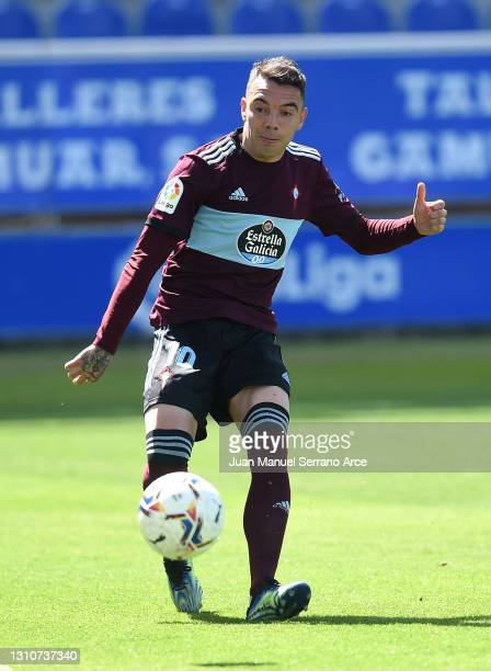Iago Aspas of Celta Vigo scores their team's second goal during the La Liga Santander match between Deportivo Alaves and RC Celta at Estadio de...