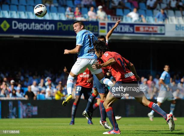 Iago Aspas of RC Celta de Vigo scores Celta's first goal during the La Liga match between RC Celta de Vigo and CA Osasuna at Estadio Balaidos on...