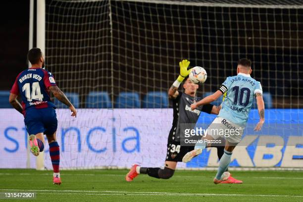 Iago Aspas of RC Celta misses one goal opportunity during the La Liga Santander match between RC Celta and Levante UD at Abanca-Balaídos on April 30,...