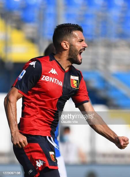 Iago Falque of Genoa CFC celebrates after scoring the first goal during the Serie A match between Brescia Calcio and Genoa CFC at Stadio Mario...