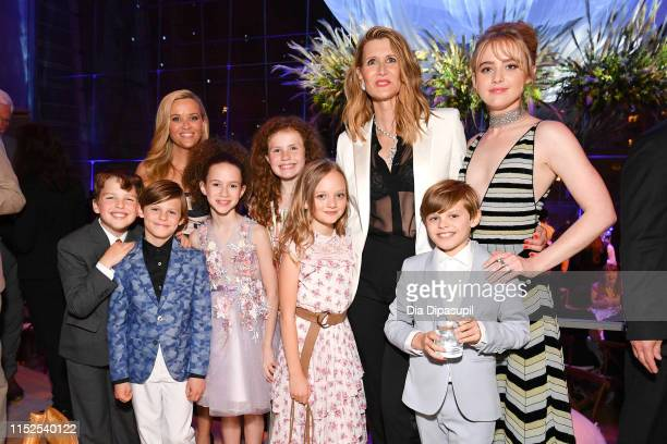 Iain Armitage Cameron Crovetti Reese Witherspoon Chloe Coleman Darby Camp Ivy George Laura Dern Nicholas Crovetti and Kathryn Newton attend the Big...