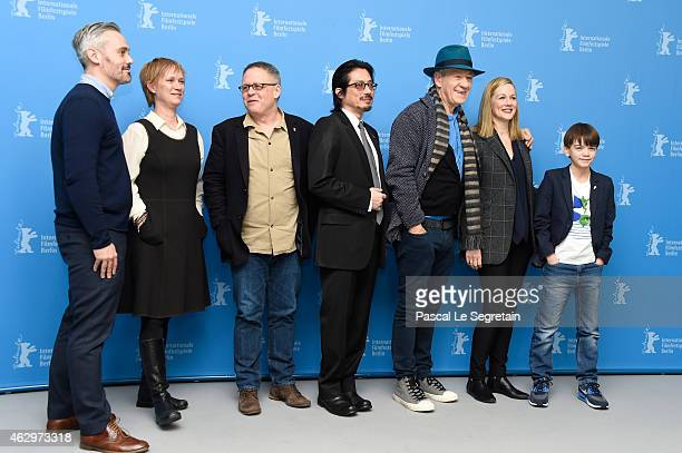 Iain Canning guest director Bill Condon Hiroyuki Sanada Sir Ian McKellen Laura Linney and Milo Parker attend the 'Mr Holmes' photocall during the...