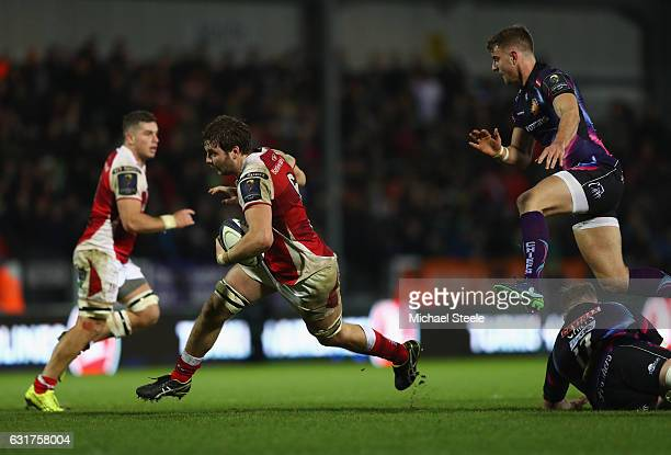 Iain Henderson of Ulster makes a break during the European Rugby Champions Cup Pool 5 match between Exeter Chiefs and Ulster at Sandy Park on January...