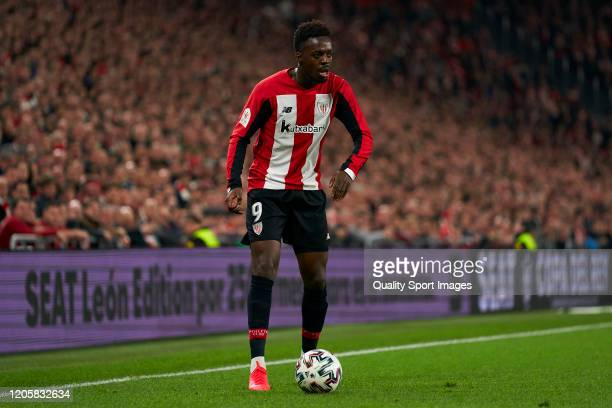 Iñaki Williams of Athletic Club controls the ball during the Copa del Rey SemiFinal 1st leg match between Athletic Club and Granada at San Mames...