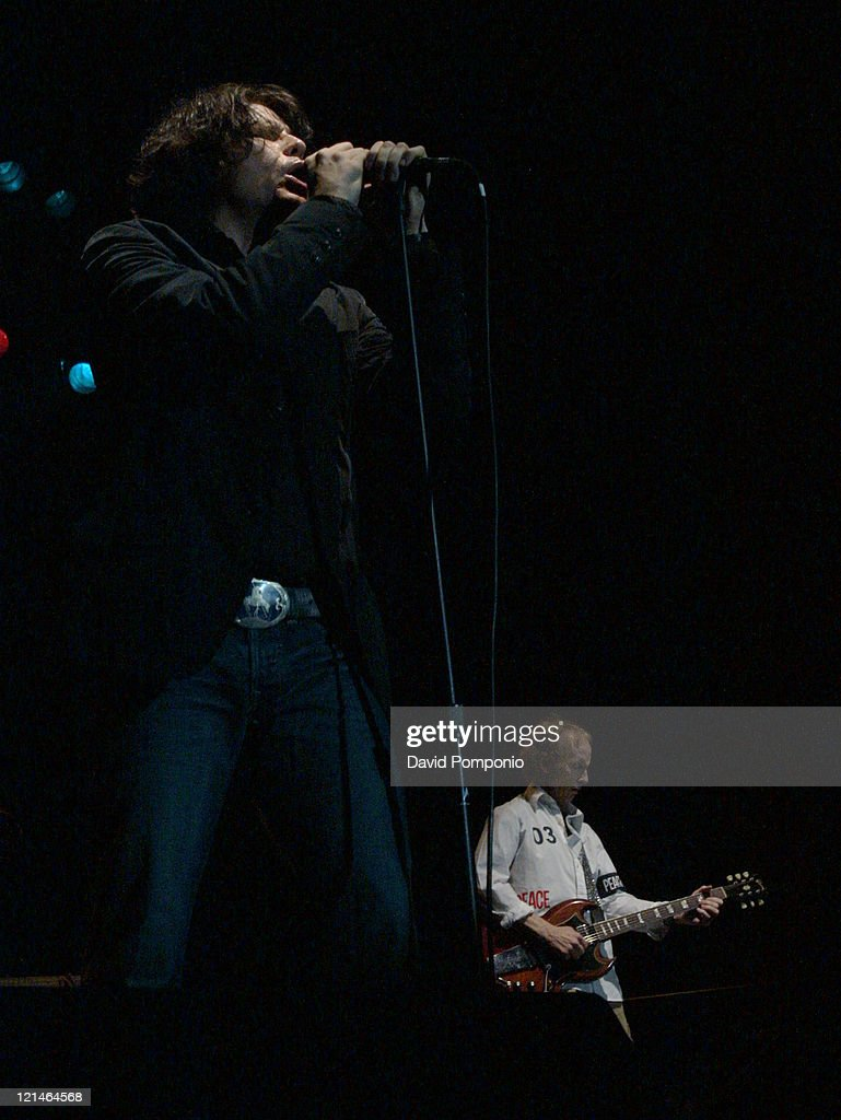 The Doors of the 21st Century in Concert - May 5, 2004 : News Photo