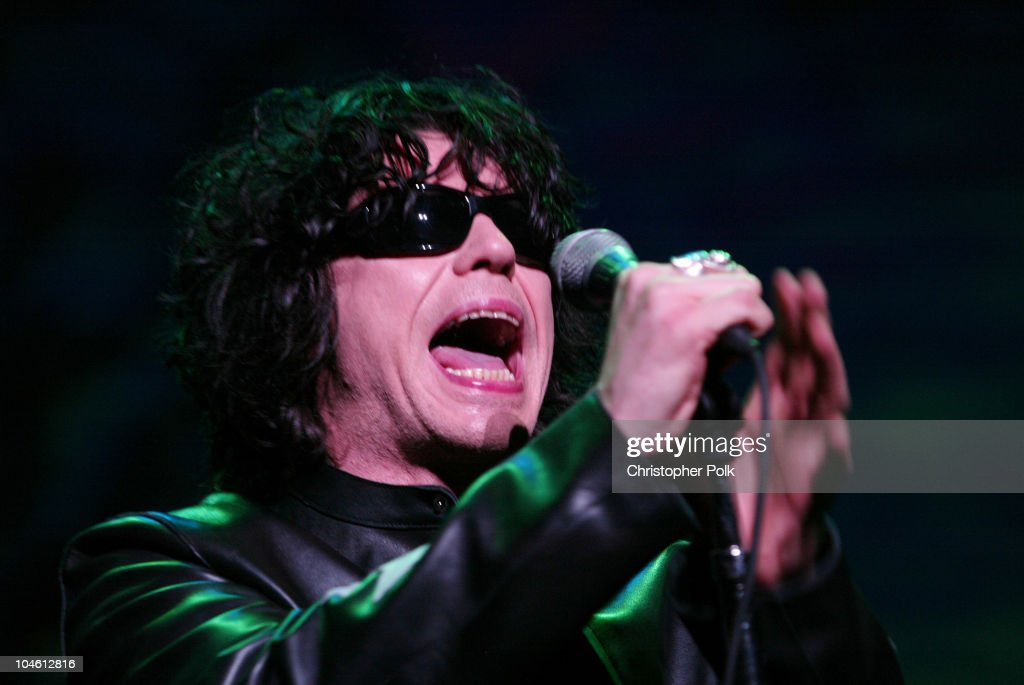 Ian Astbury during The Doors perform live at the Universal Amphitheater at Universal Amphitheater in Universal City, CA, United States.