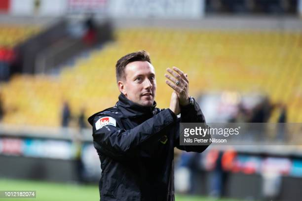Ian Burchnall head coach of Ostersunds FK cheers to the fans after the Allsvenskan match between IF Elfsborg and Ostersunds FK at Boras Arena on...