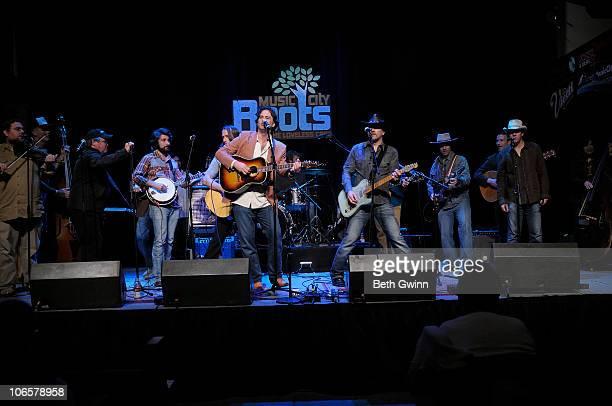 Ian Craft, Jake Cox, Davey Jones, Nick Randolph, Peter Cooper, Shawna Davis, Phil Hurley, Jared Green and Dave Penicie play the Music City Roots Jam...