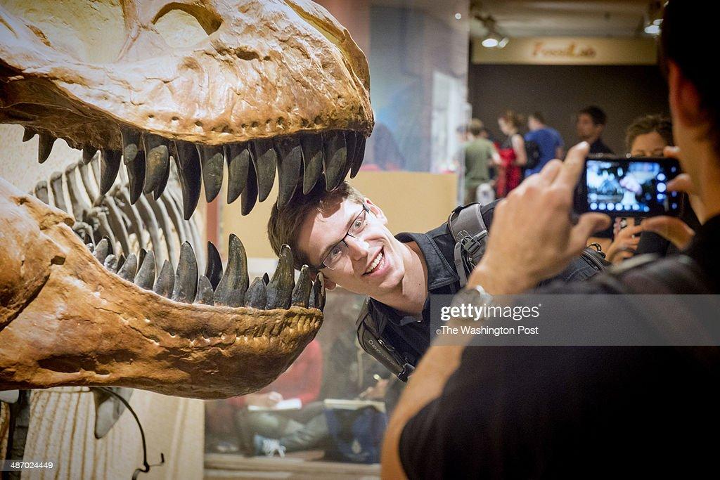 Ian Garretson Of Oregon State University Joins Dozens Of Tourists News Photo Getty Images