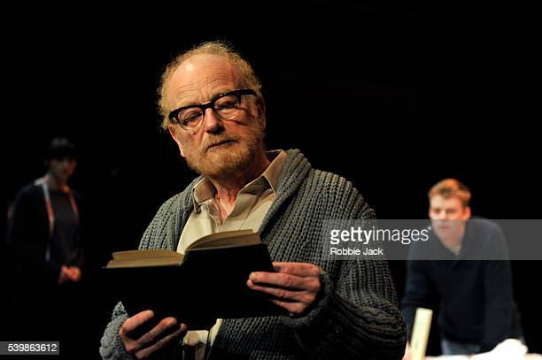 Ian McDiarmid as Galileo Galilei with artists of the company in Bertolt Brecht's A Life of Galileo directed by Roxana Silbert at the Swan Theatre in...