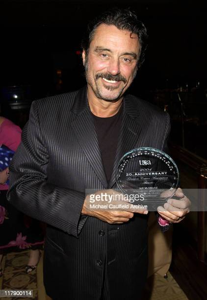 Ian McShane with his award for Invdividual Achievement in Drama for 'Deadwood'