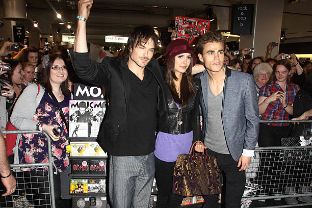 Photos et images de the vampire diaries cast meet fans at hmv ian somerhalder nina dobrev and paul wesley attend a fan meet and greet for the m4hsunfo