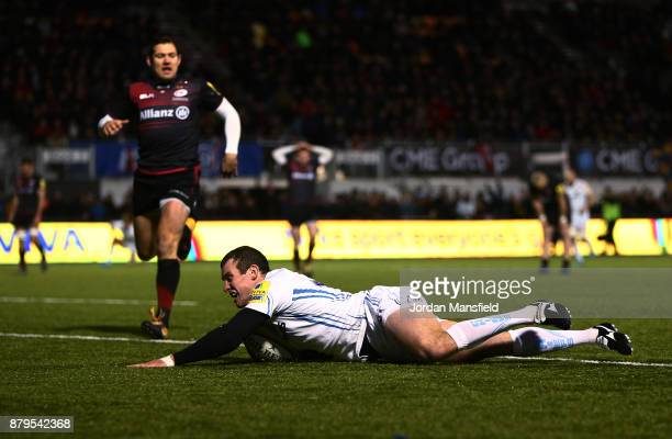 Ian Whitten of Exeter touches down a try during the Aviva Premiership match between Saracens and Exeter Chiefs at Allianz Park on November 26 2017 in...