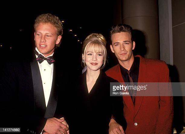 Ian Ziering Jennie Garth and Luke Perry at the 7th Annual Nancy Susan Reynolds Awards Regent Beverly Wilshire Hotel Beverly Hills