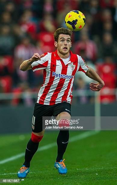 Ibai Gomez of Athletic Club Bilbao controls the ball during the La Liga match between Athletic Club Bilbao and UD Almeria at San Mames Stadium on...