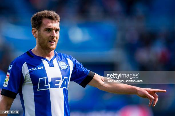Ibai Gomez of Deportivo Alaves reacts during the La Liga match between Deportivo Alaves and Villarreal CF at Mendizorroza stadium on September 17...