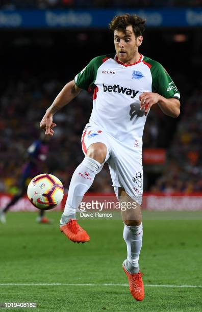 Ibai Gomez of Deportivo Alaves runs with the ball during the La Liga match between FC Barcelona and Deportivo Alaves at Camp Nou on August 18 2018 in...