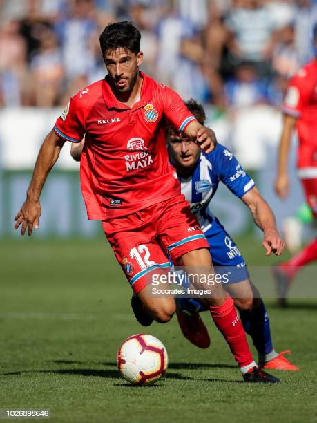 Ibai Gomez Perez of Deportivo Alaves CF Didac Vila Rosello of RCD Espanyol during the La Liga Santander match between Deportivo Alaves v Espanyol at...